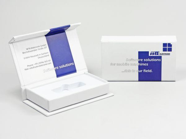Klappbox weiß mit zweifarbigem Aufdruck und weißem Inlay für Software