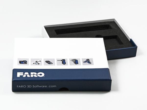 Verpackung für Software in Wunschgröße und vollflächigem Aufdruck. Inlay aus Schaumstoff mit individueller Stanzung.