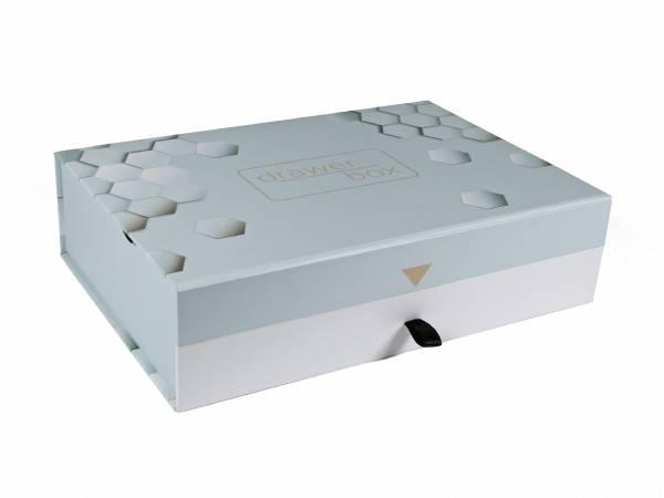 Drawer Box: Schatulle mit Schublade. Machen Sie Ihre Präsentation zu etwas Besonderem. Vollflächig bedruckbar, Magnete im Deckel zum sicheren Verschließen.