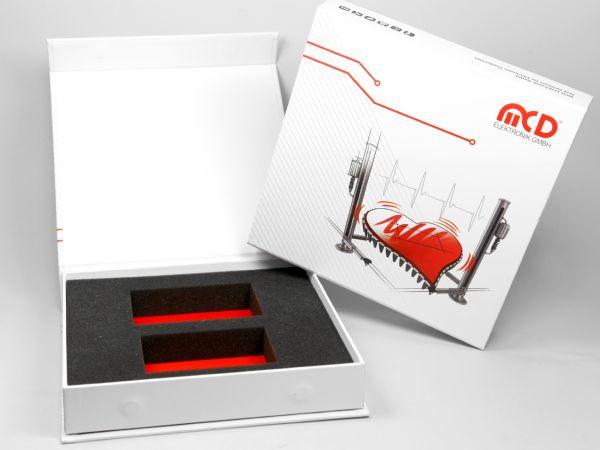 Elektronikverpackung in Firmenfarben mit Logo und Design bedruckt. Inlay aus Schaumstoff und Bodenfarbe nach Wunsch.