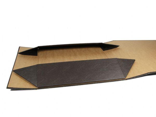 Im flach ausgelegen Zustand benötigt die auffaltbare Flatbox kaum Lagerfläche. Das Volumen der Faltbox verringert sich damit praktisch um ein Vielfaches.