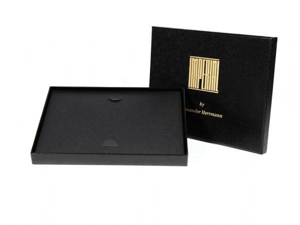 Gutscheinbox Imperial mit Stülpddeckel, strukturierter Oberfläche und Logo