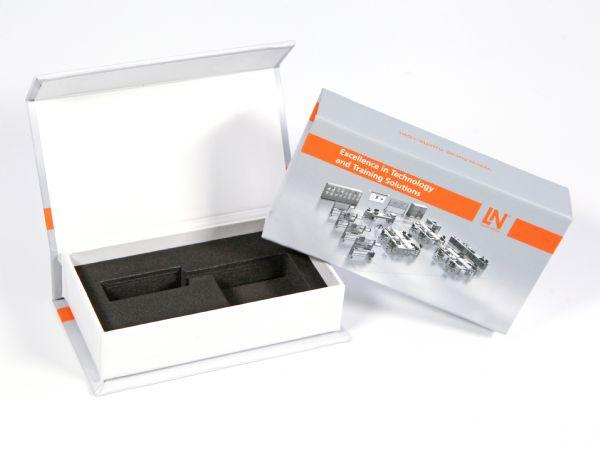 Klappbox für Industrie & Technik mit Digitaldruck und Inlay aus Schaumstoff