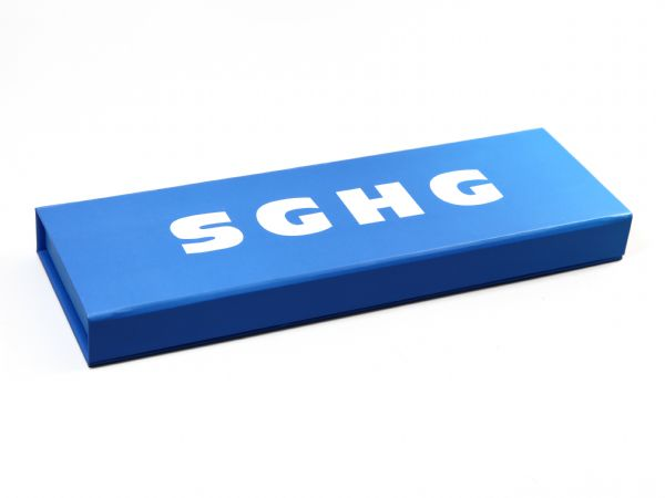 Schlichte lange Klappschachtel in blau mit Digitaldruck