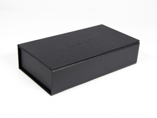Flap Box Magnetschachtel - Schutz für Ihr Produkt dank zwei Klappen - Hoch- und Tiefenprägung - Schaumstoff und Papierinlay - bedruckbar mit Ihrem Logo