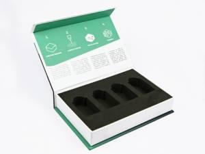 Klappbox für Industriebauteile mit vollflächigem Druck und schwarzem Inlay
