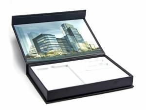 Klappbox mit Digitaldruck innen und weißem Schaumstoff-Inlay
